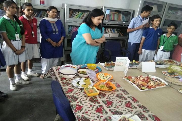 Diwakar Model School-Food Fest