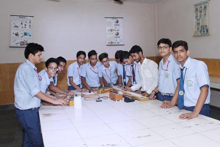 Dr K N Modi Global School-Physics Laboratory