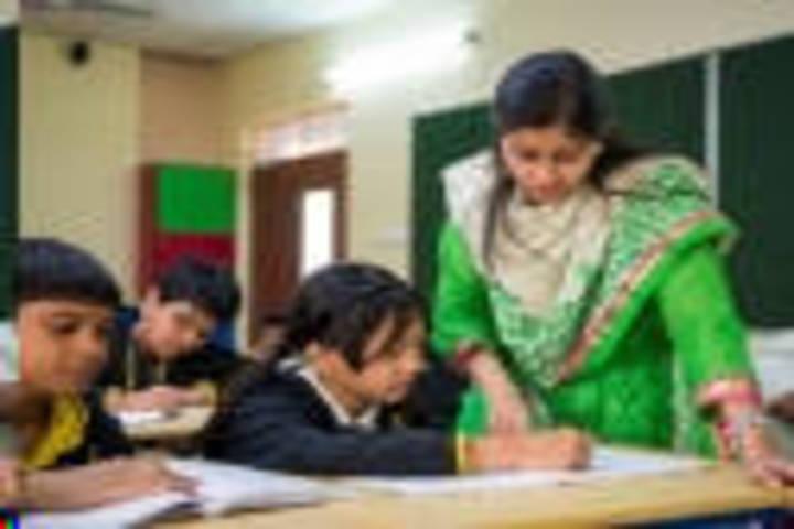 Sharada Shikshan Sansthan-Class Room