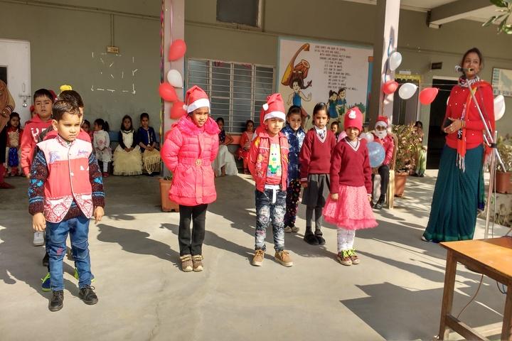 Dunni Devi Gayadeen Smarak Vidhyalaya-Christmas Celebrations