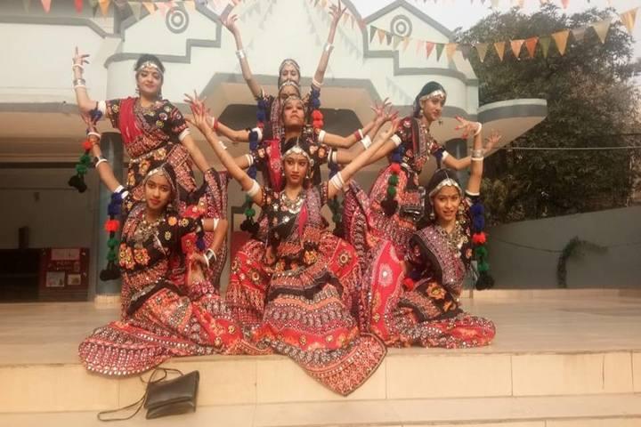 Everest Public School-Group Dance