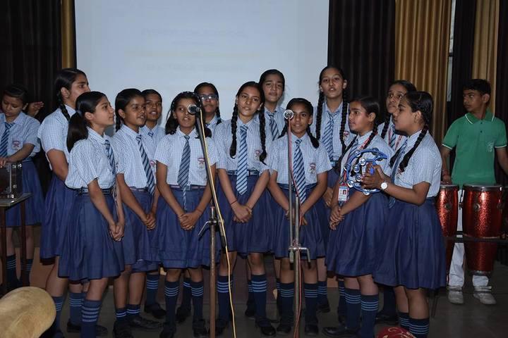 Everest Public School-Group singing