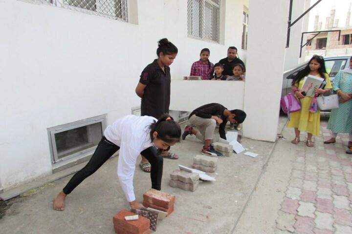 Excellia School-Brick Breaking
