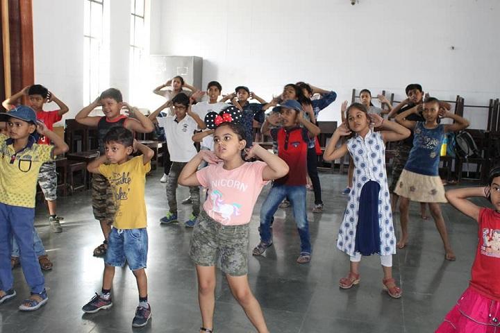 Florets International School-Group Dance by School Children