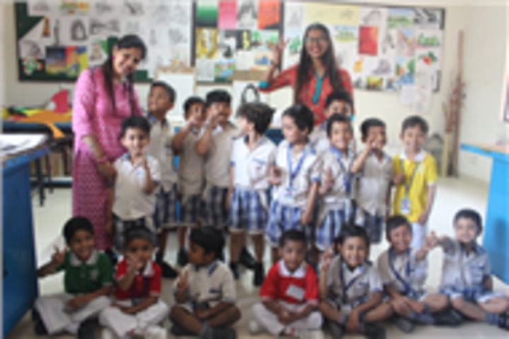 Fr Agnel School-School Tour of LKG and UKG