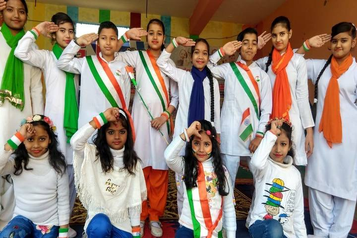 G k Silver Stone Public School-Independence Day Celebrations