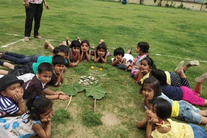 Gagan Public School-Childrens in park