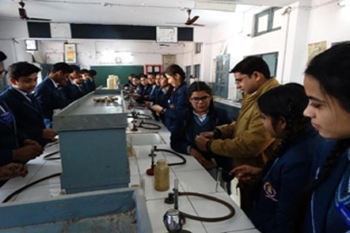 Gandhi Nagar Public School-Chemistry Lab