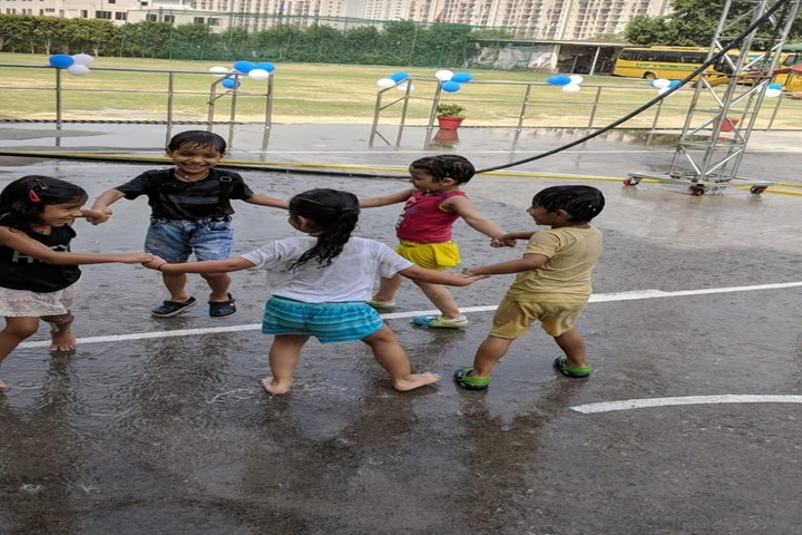 Gd Goenka Public School-Fun In Rain Dance