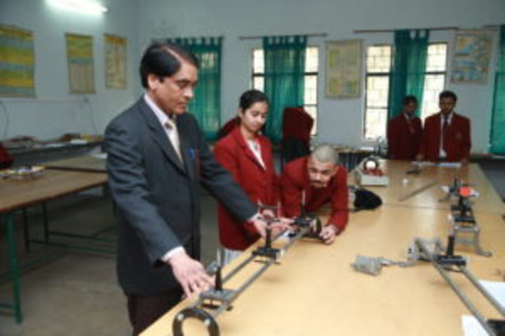 Ghaziabad Public School-Physics Lab