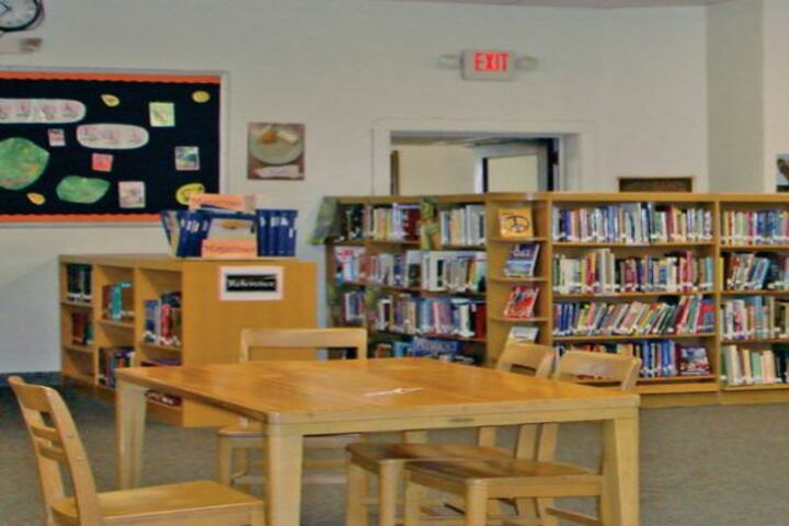 Glory Modern School-Library
