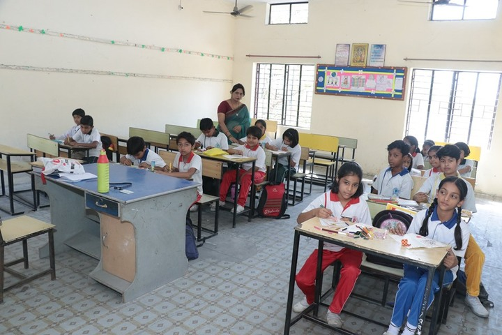 Golden Public School-Classroom