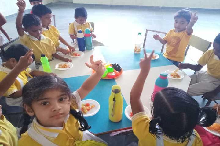 Green Fields Academy-Fruits day