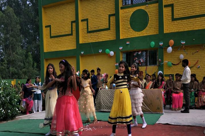 Green Light Public School-Dance