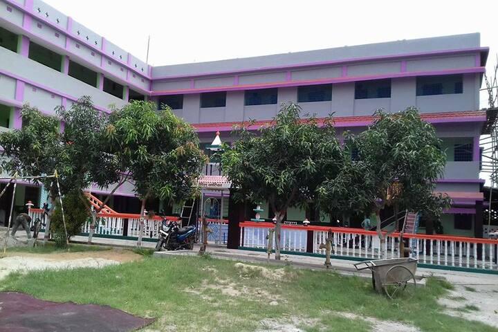 Shri Rani Saraswati Vidya Mandir-Building