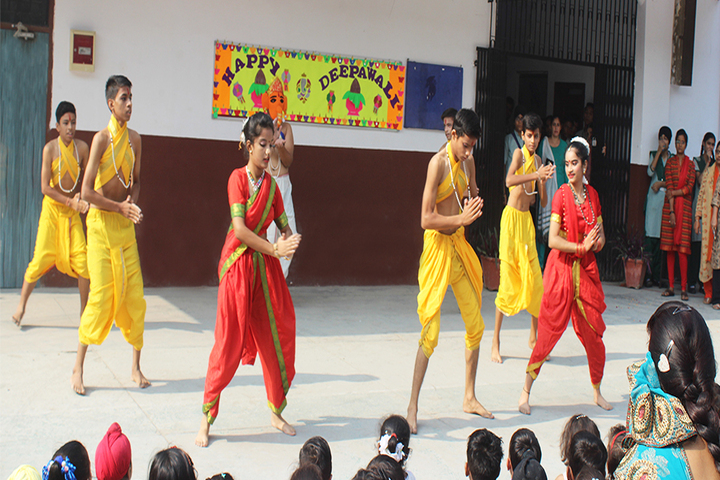 Guru Nanak Public Senior Secondary School-Dance