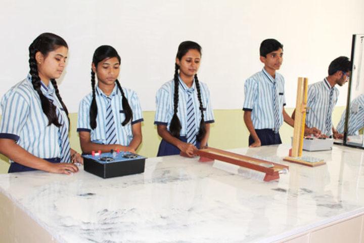 Gurukul Academy-Laboratory