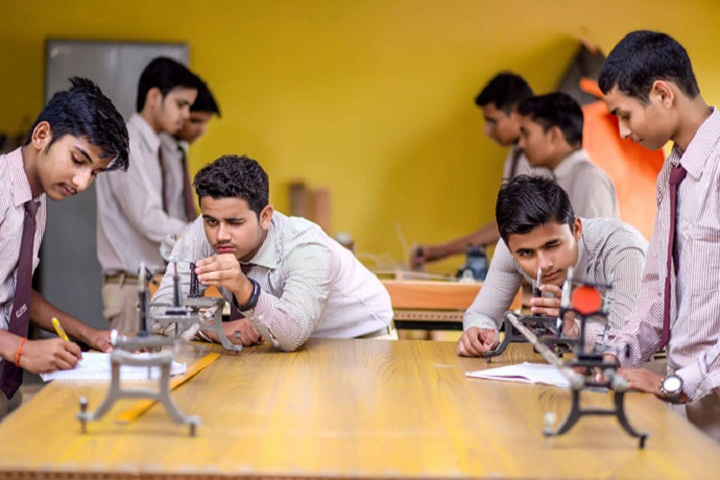 Gyan Sthaly Public School-Robotics Laboratory