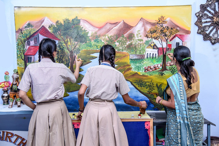 Gyan Sthaly Public School-Wall Painting Activity