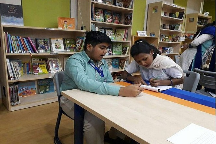 Gyanshree School-Library