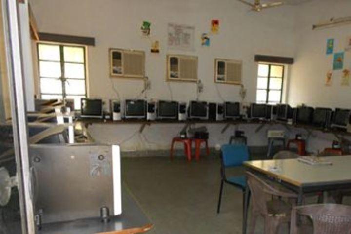 H A L School-Computer Lab