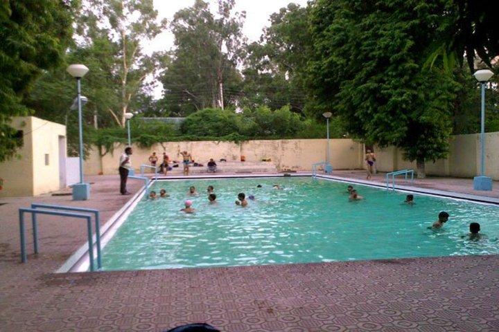 H A L School-Swimming Pool