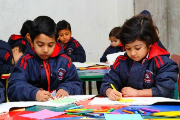 H L International School-Art