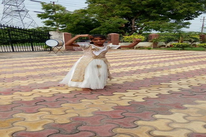 H L International School-Dance