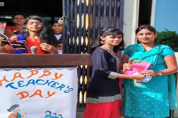 H L International School-Teachers-Day