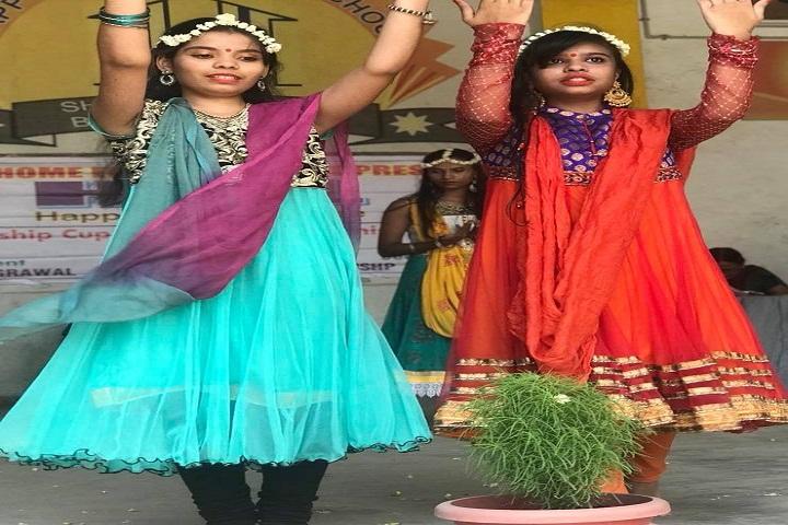 Happy Home English School-Dancing Activity