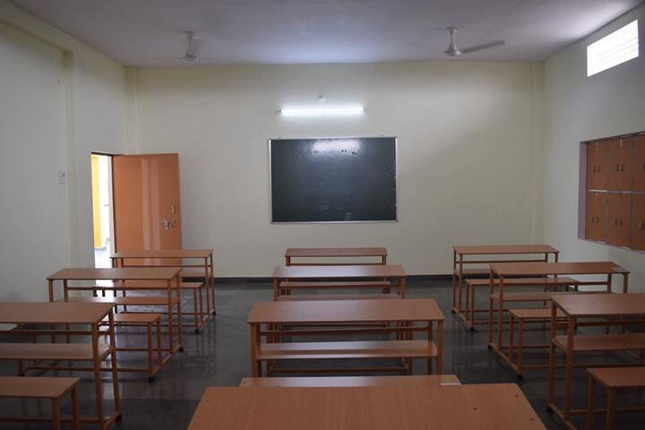 Heaven Garden Junior High School-Classroom