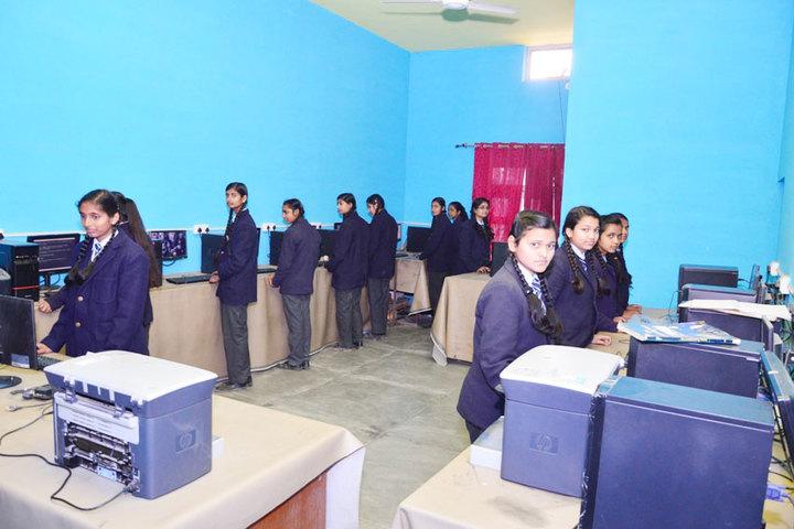 Heera Singh Public School-Lab
