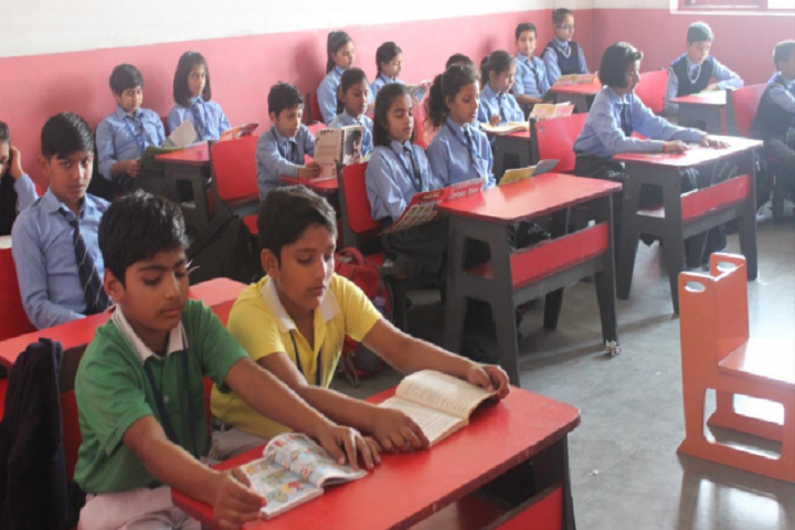 Hillwoods Academy-Classroom with students