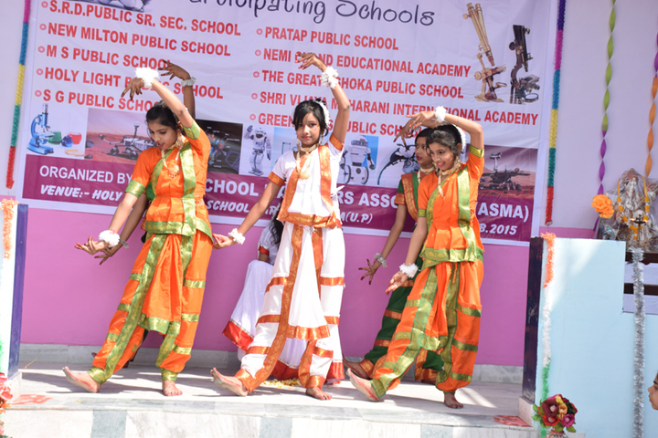 Holy Light Public School-Dance-Performance