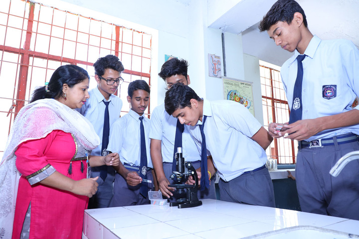 Holy Public School-Biology Lab