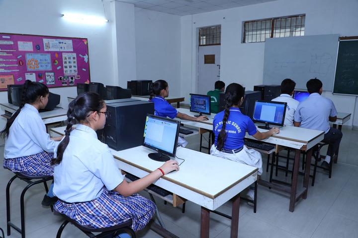 Holy Public School-Computer Lab