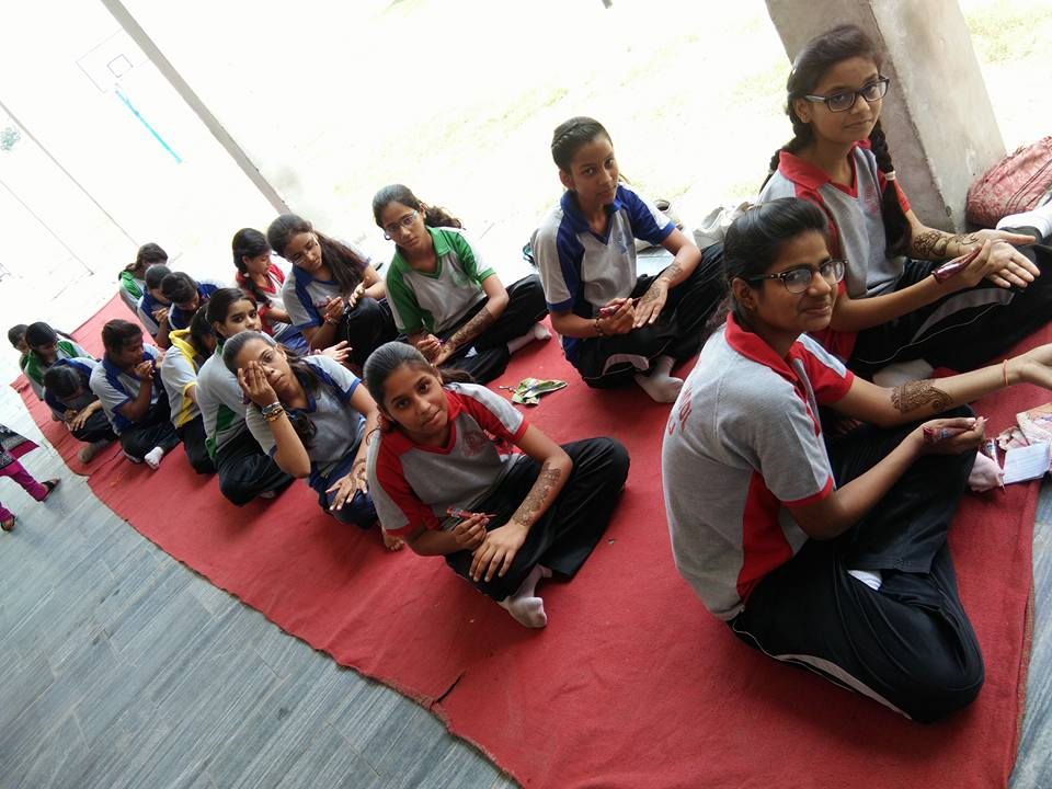 Ideal Public School-Mehandi Competition