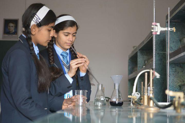 Imperial International School-Chemistry-Lab