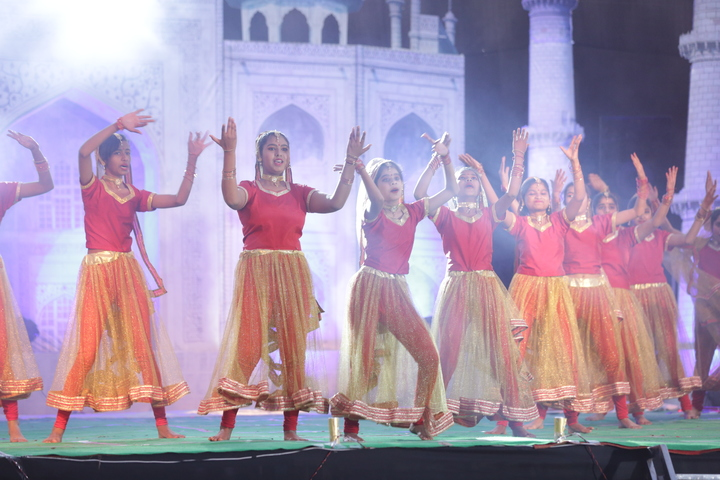 Imperial International School-Dance