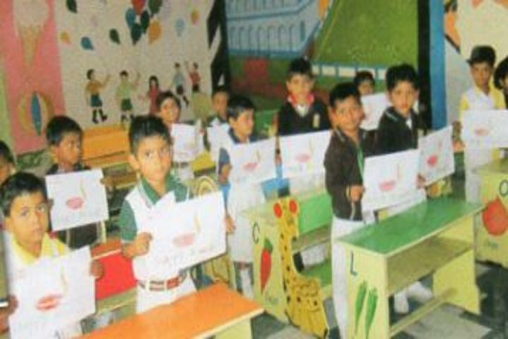Indra Memorial Public School-Art-Craft