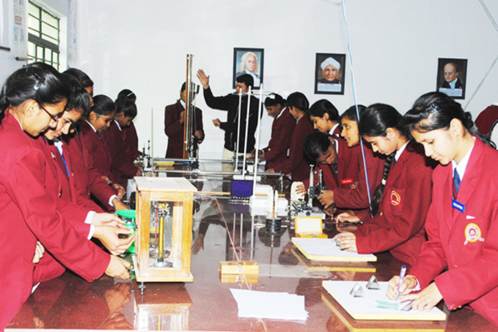 Indraprastha Public School-Physics Lab