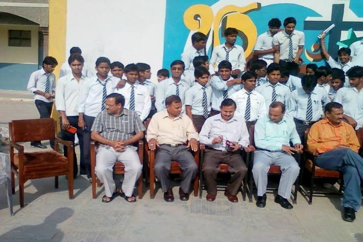 Jawahar Navodaya Vidyalaya-Faculty and Students