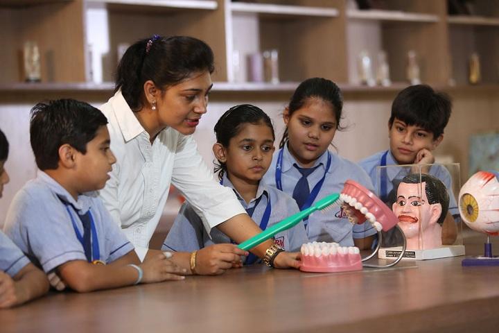 Jbm Global School-ScienceLab