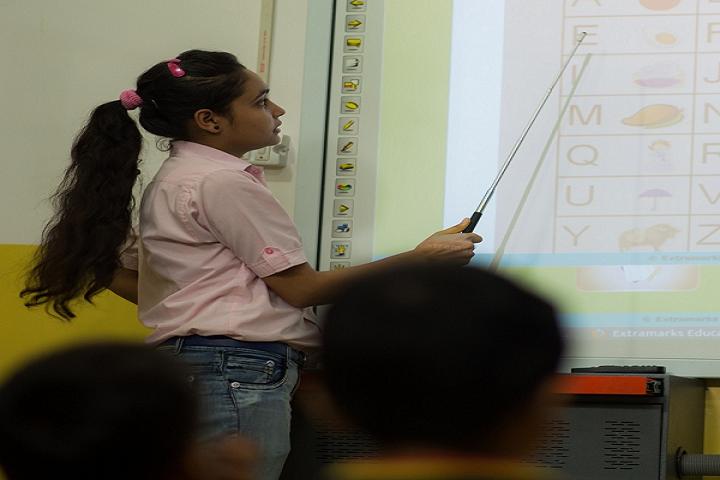 JKG International School-Smart Class