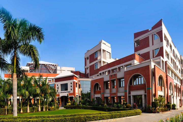 K L International School-Campus View