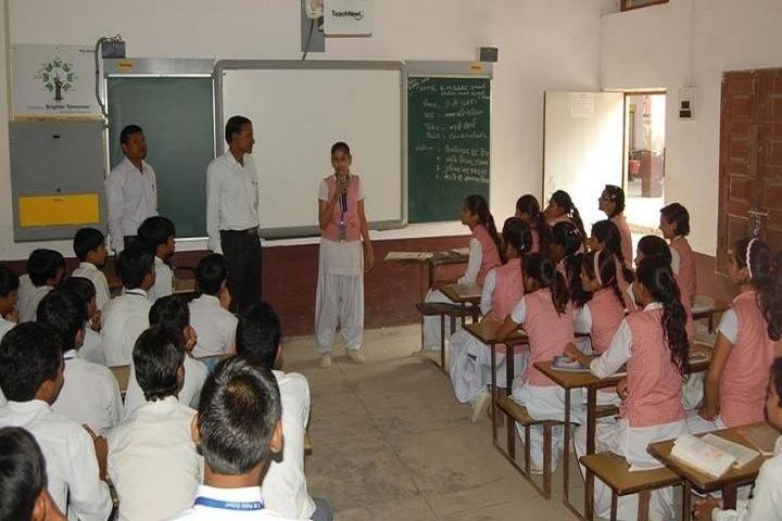 KM Public School-Class