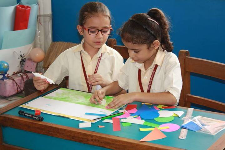 Kaushalya World School-Art & Craft
