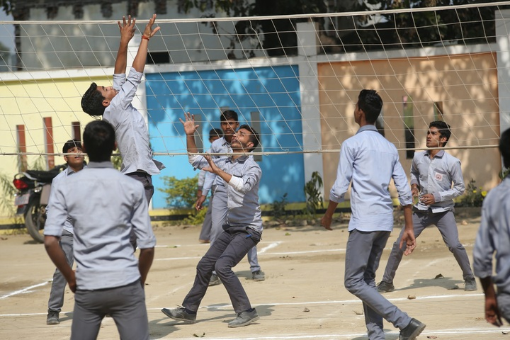 Kaushambi Public School-Outdoor Games