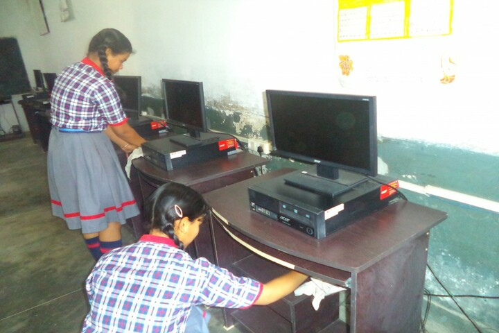 Kendriya Vidyalaya No 4-Computer Lab