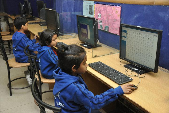Khaitan Public School-Computer Lab